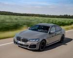 2021 BMW 545e xDrive Front Three-Quarter Wallpapers  150x120 (13)
