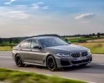 2021 BMW 545e xDrive Front Three-Quarter Wallpapers  150x120 (3)
