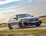 2021 BMW 545e xDrive Front Three-Quarter Wallpapers  150x120 (11)