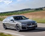 2021 BMW 545e xDrive Front Three-Quarter Wallpapers  150x120 (5)