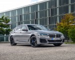 2021 BMW 545e xDrive Front Three-Quarter Wallpapers  150x120 (44)
