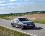 2021 BMW 545e xDrive Front Three-Quarter Wallpapers  150x120 (28)
