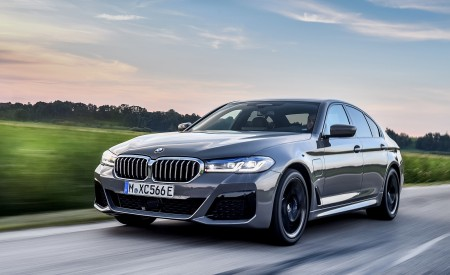 2021 BMW 545e XDrive Wallpapers HD