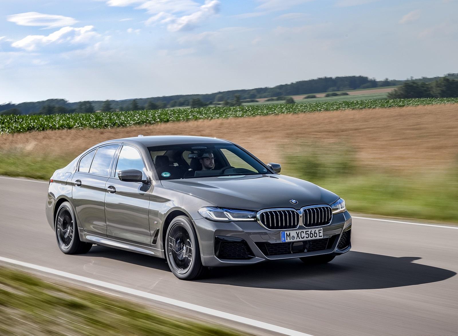 2021 BMW 545e xDrive Front Three-Quarter Wallpapers (7)
