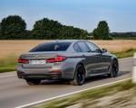 2021 BMW 545e xDrive Rear Three-Quarter Wallpapers  150x120 (22)