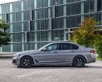 2021 BMW 545e xDrive Side Wallpapers  150x120 (47)