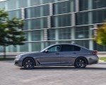 2021 BMW 545e xDrive Side Wallpapers  150x120 (39)