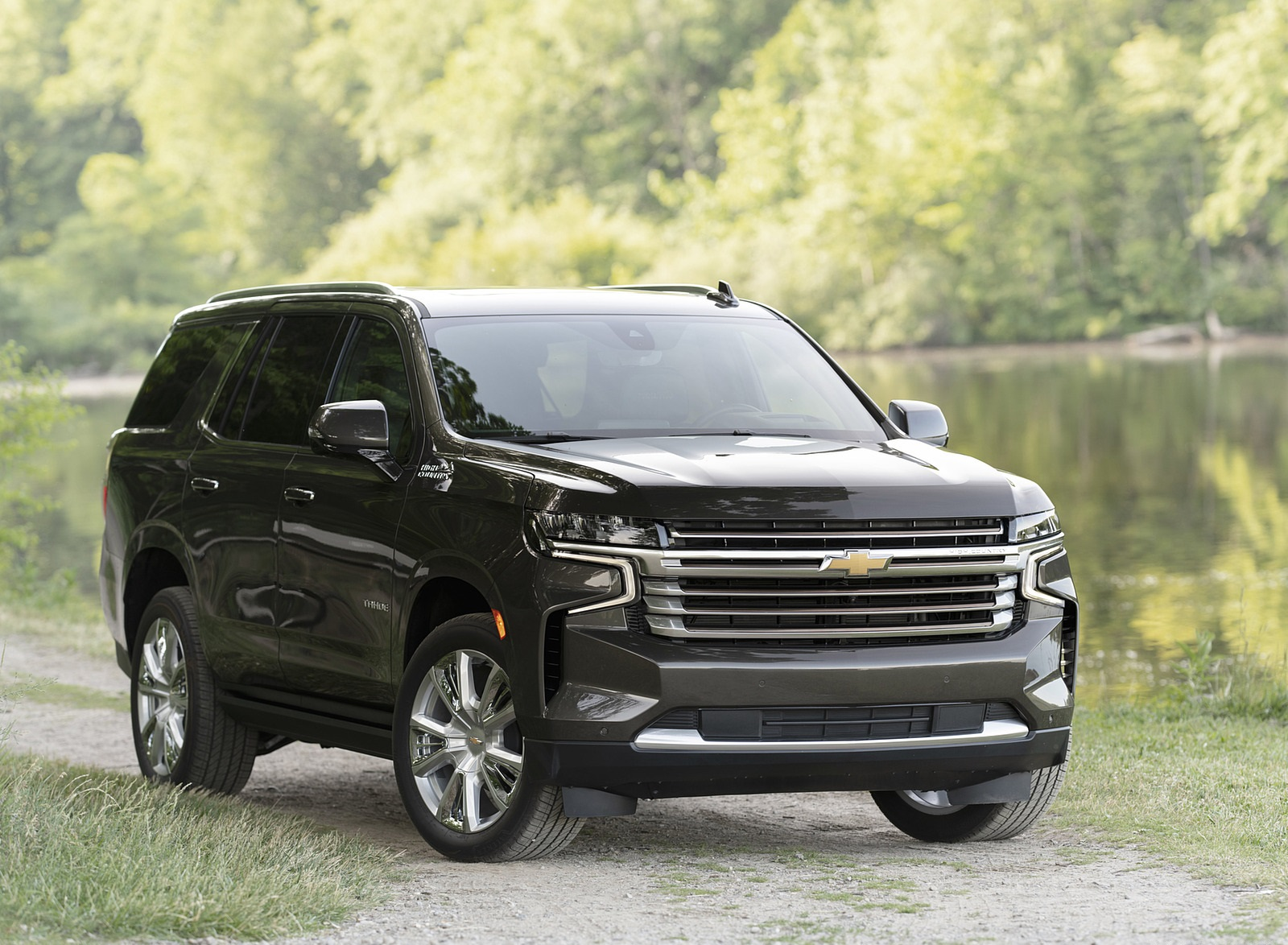 2021 Chevrolet Tahoe High Country Front Three-Quarter Wallpapers (7)