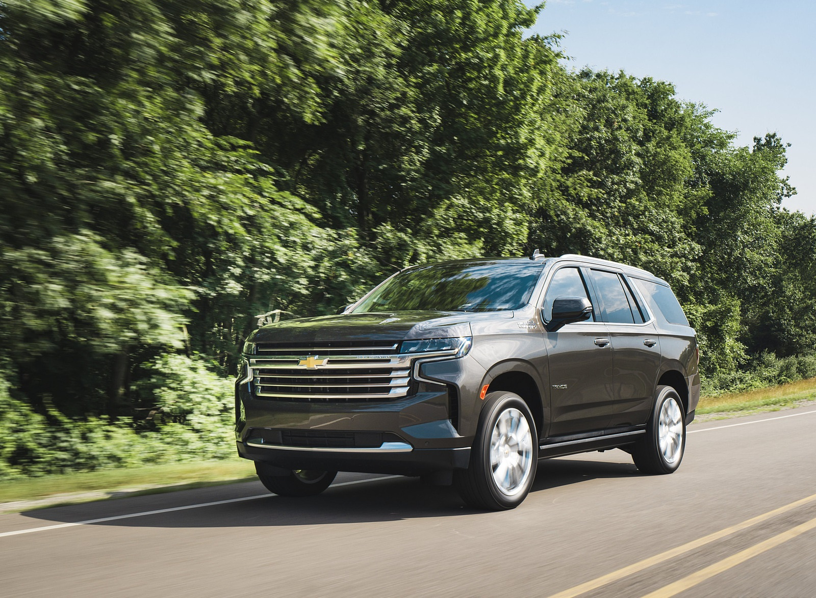 2021 Chevrolet Tahoe High Country Front Three-Quarter Wallpapers (3)