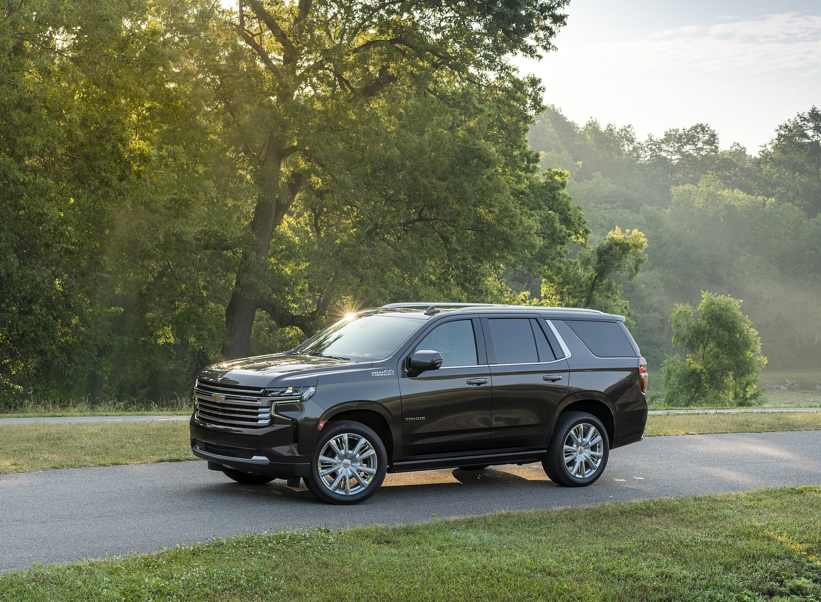 2021 Chevrolet Tahoe High Country Front Three-Quarter Wallpapers (9)