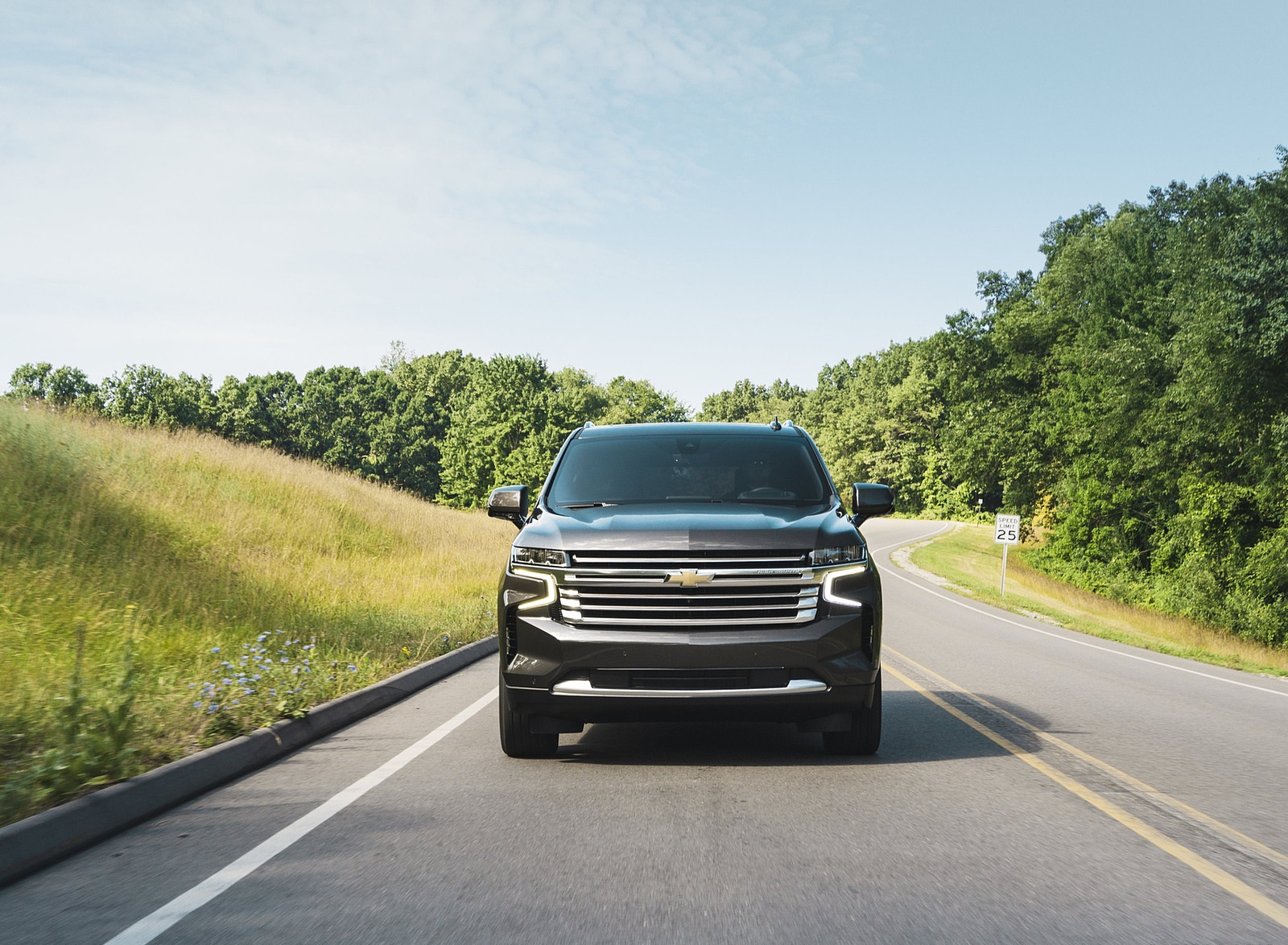 2021 Chevrolet Tahoe High Country Front Wallpapers (5)