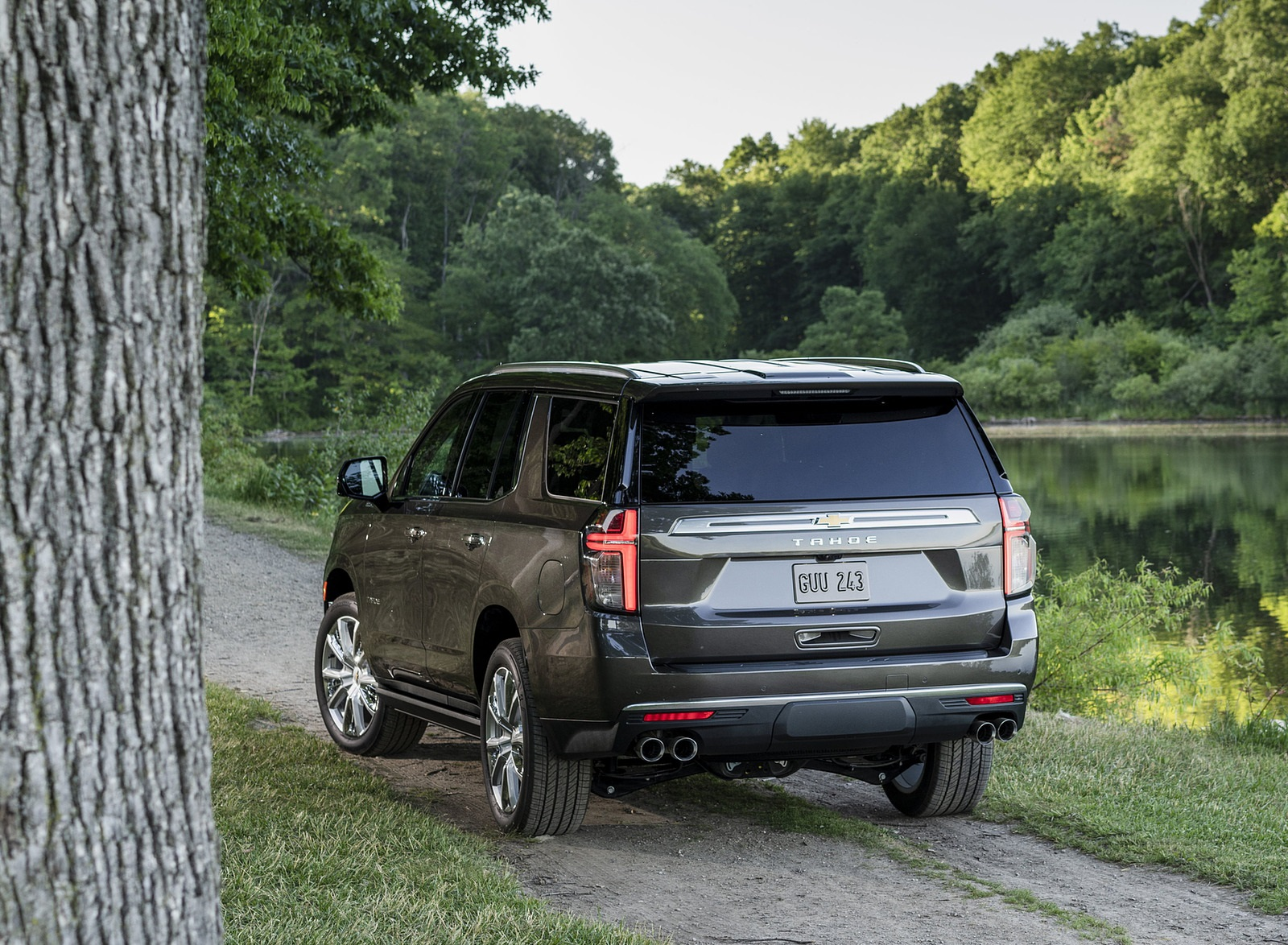 2021 Chevrolet Tahoe High Country Rear Three-Quarter Wallpapers (10)