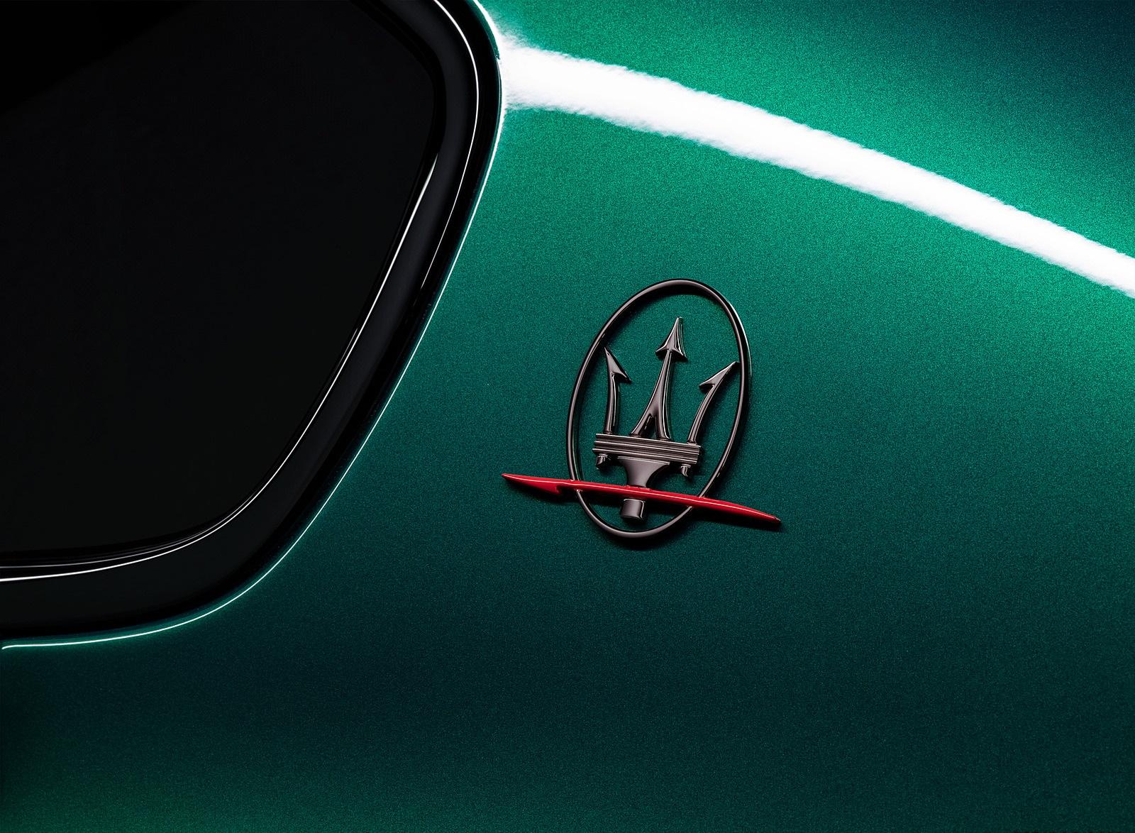 2021 Maserati Quattroporte Trofeo Badge Wallpapers (9)