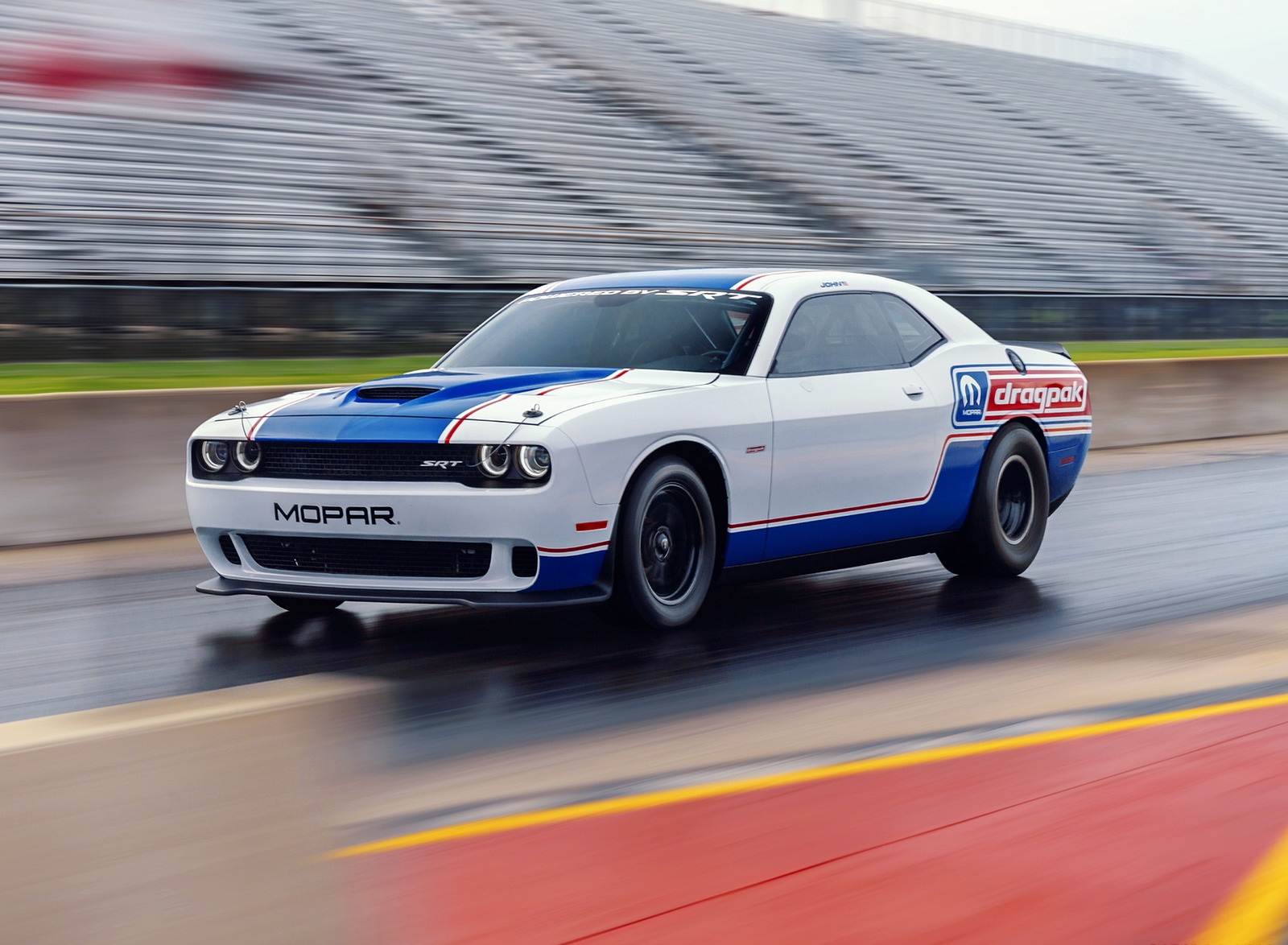 2021 Dodge Challenger Mopar Drag Pak Front Three-Quarter Wallpapers  (2)