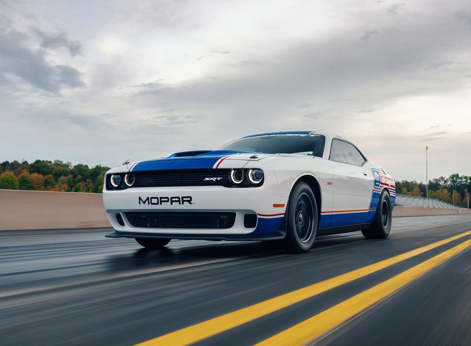 2021 Dodge Challenger Mopar Drag Pak Front Three-Quarter Wallpapers (4)