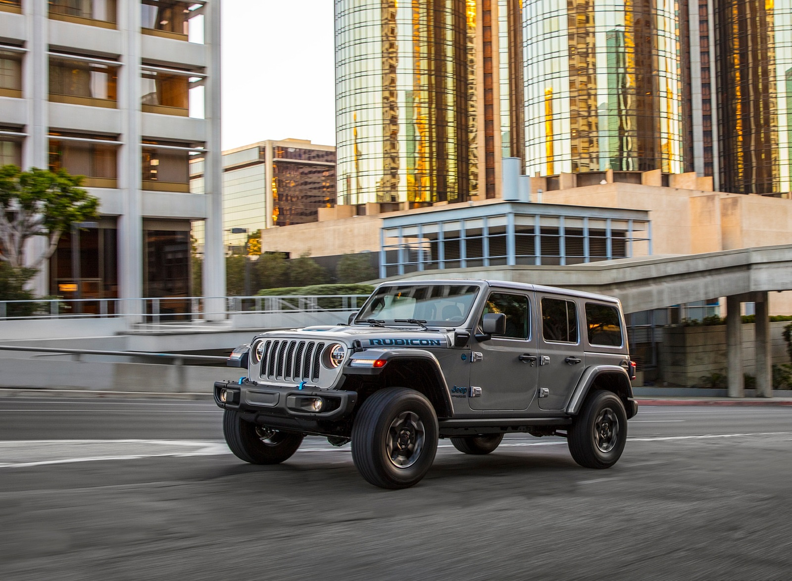 2021 Jeep Wrangler 4xe Plug-In Hybrid Front Three-Quarter Wallpapers  (2)