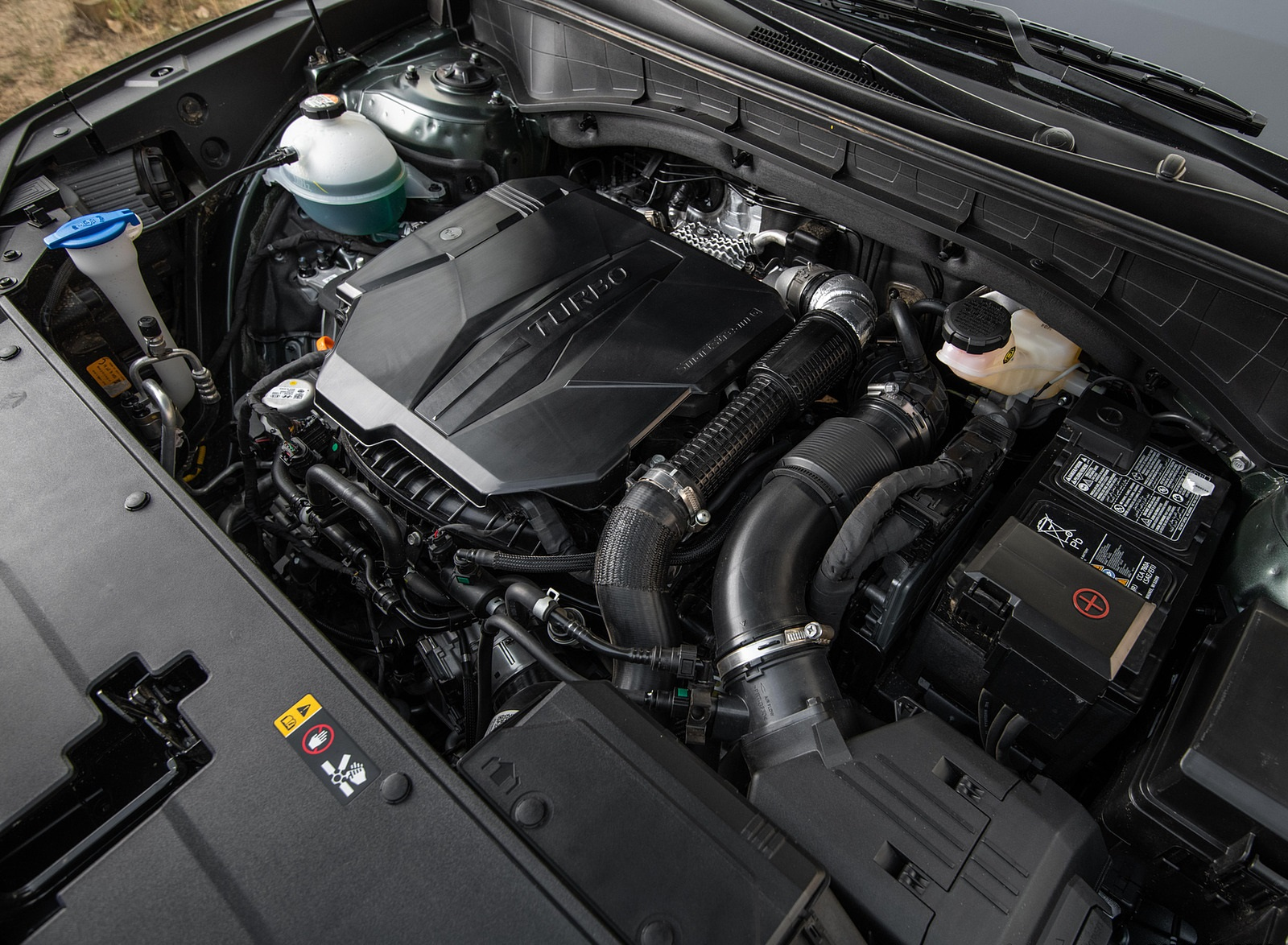 2021 Kia Sorento SX Engine Wallpapers (8)