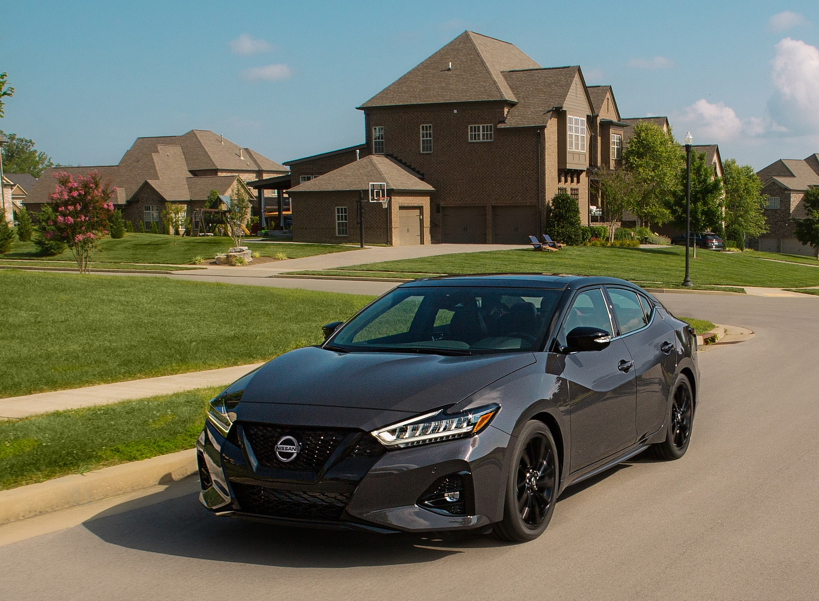 2021 Nissan Maxima 40th Anniversary Edition Front Three-Quarter Wallpapers (1)