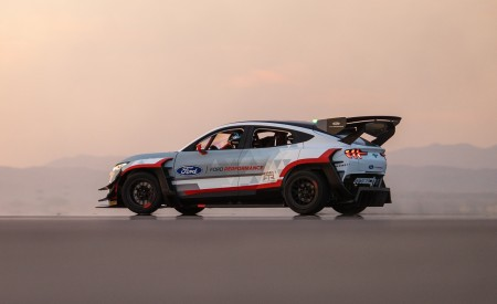2020 Ford Mustang Mach-E 1400 Concept Rear Three-Quarter Wallpapers 450x275 (22)