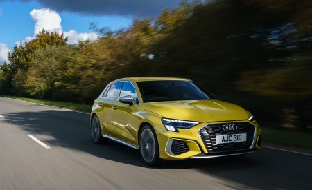 2021 Audi S3 Sportback (UK-Spec) Front Three-Quarter Wallpapers  450x275 (41)