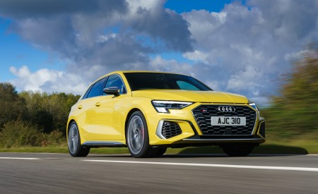 2021 Audi S3 Sportback (UK-Spec) Front Three-Quarter Wallpapers  450x275 (31)