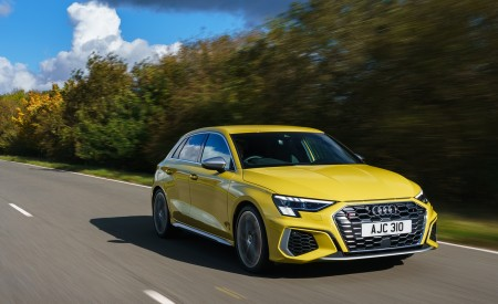 2021 Audi S3 Sportback (UK-Spec) Front Three-Quarter Wallpapers  450x275 (32)