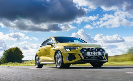 2021 Audi S3 Sportback (UK-Spec) Front Three-Quarter Wallpapers  450x275 (39)