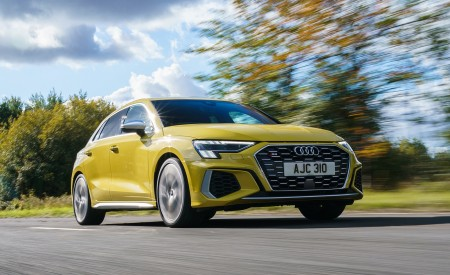 2021 Audi S3 Sportback (UK-Spec) Front Three-Quarter Wallpapers  450x275 (38)