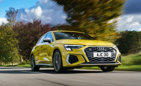 2021 Audi S3 Sportback (UK-Spec) Front Three-Quarter Wallpapers 450x275 (37)