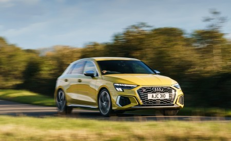 2021 Audi S3 Sportback (UK-Spec) Front Three-Quarter Wallpapers 450x275 (8)