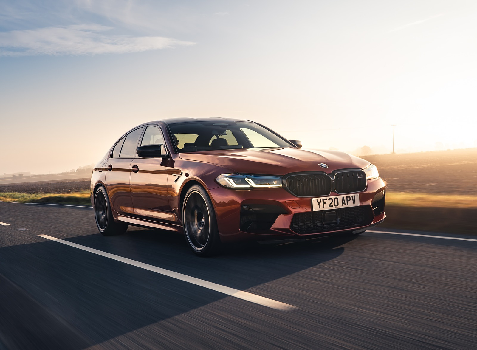 2021 BMW M5 Competition (UK-Spec) Front Three-Quarter Wallpapers  (10)