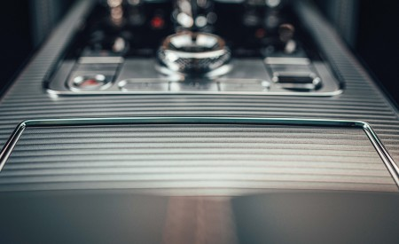 2021 Bentley Flying Spur V8 Central Console Wallpapers 450x275 (89)