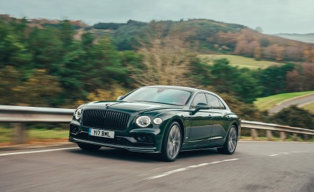2021 Bentley Flying Spur V8 Front Three-Quarter Wallpapers 450x275 (36)
