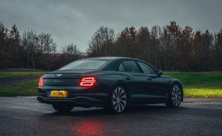 2021 Bentley Flying Spur V8 Rear Three-Quarter Wallpapers 450x275 (42)