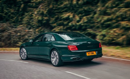2021 Bentley Flying Spur V8 Rear Three-Quarter Wallpapers 450x275 (39)