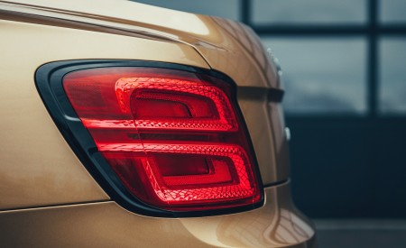 2021 Bentley Flying Spur V8 Tail Light Wallpapers 450x275 (66)