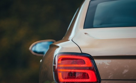 2021 Bentley Flying Spur V8 Tail Light Wallpapers 450x275 (65)