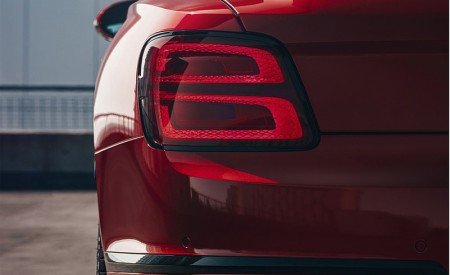 2021 Bentley Flying Spur V8 Tail Light Wallpapers 450x275 (16)