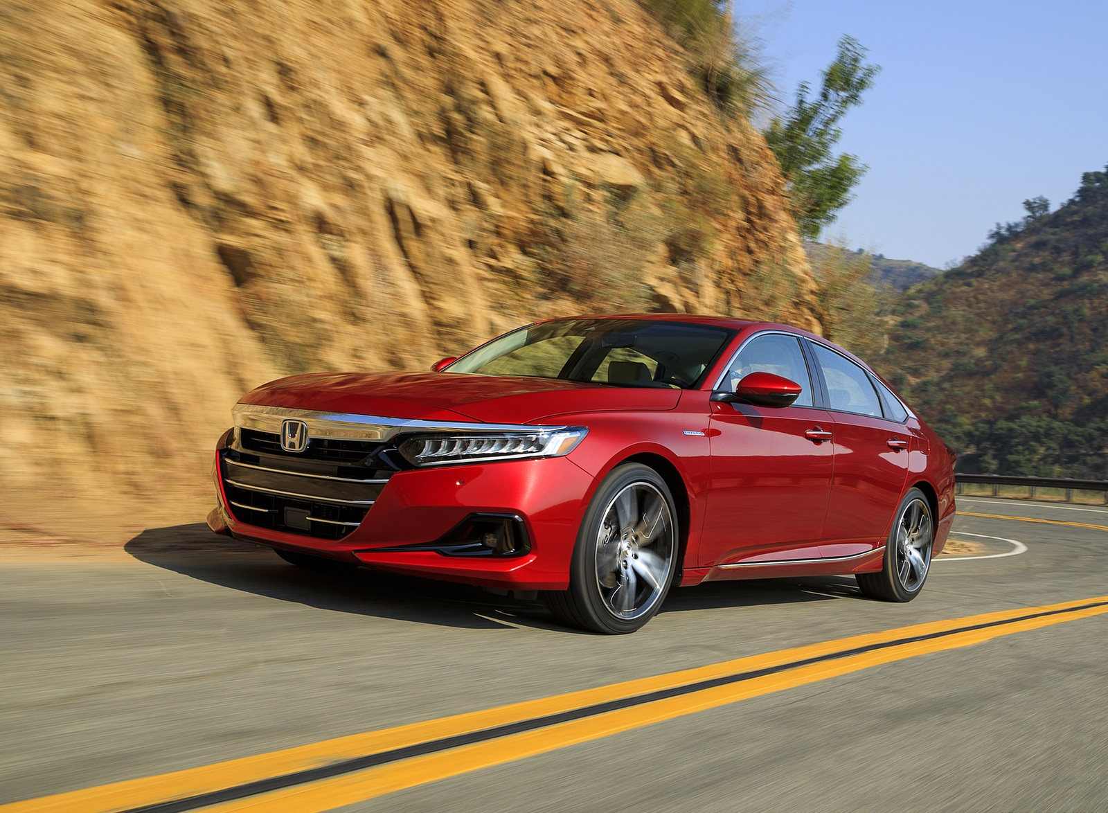 2021 Honda Accord Hybrid Front Three-Quarter Wallpapers  (1)