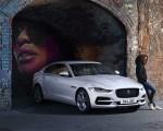 2021 Jaguar XE Front Three-Quarter Wallpapers 150x120 (5)