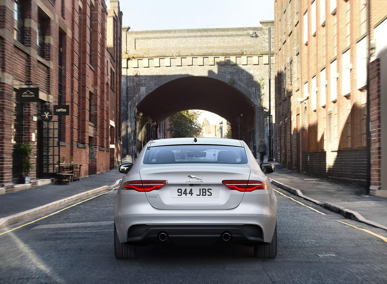 2021 Jaguar XE Rear Wallpapers (7)