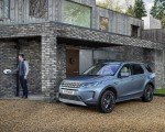 2021 Land Rover Discovery Sport P300e PHEV Front Three-Quarter Wallpapers 150x120 (5)