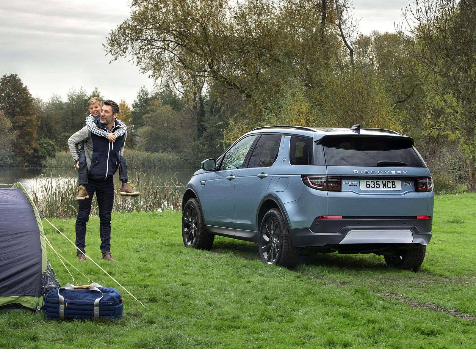 2021 Land Rover Discovery Sport P300e PHEV Rear Three-Quarter Wallpapers (10)