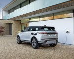 2021 Range Rover Evoque P300e PHEV Charging Wallpapers 150x120 (31)