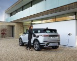 2021 Range Rover Evoque P300e PHEV Charging Wallpapers 150x120 (30)