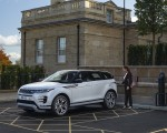 2021 Range Rover Evoque P300e PHEV Front Three-Quarter Wallpapers 150x120 (28)