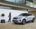 2021 Range Rover Evoque P300e PHEV Front Three-Quarter Wallpapers 150x120 (27)