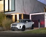 2021 Range Rover Evoque PHEV Front Three-Quarter Wallpapers 150x120 (19)