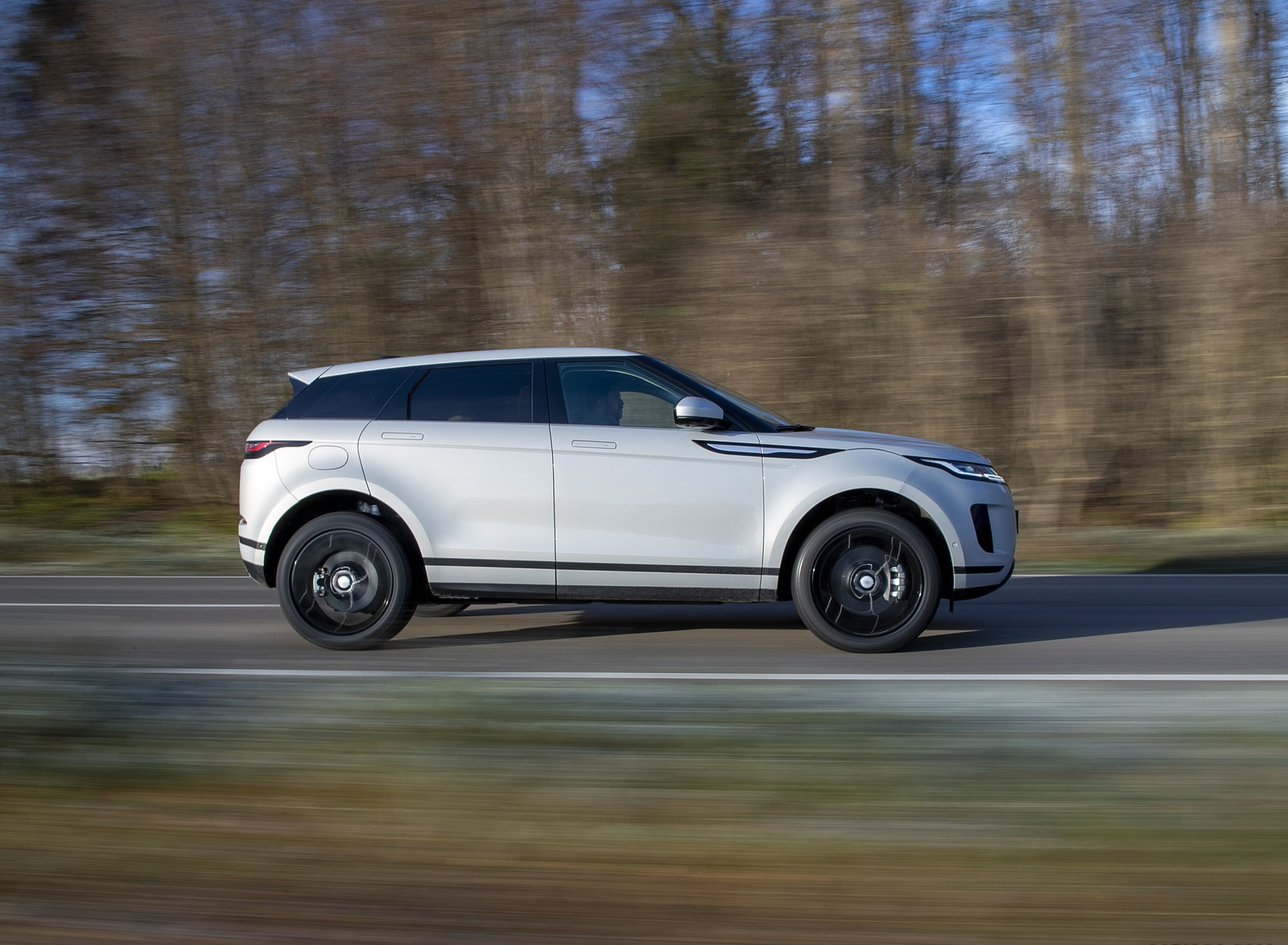 2021 Range Rover Evoque PHEV Side Wallpapers (7)