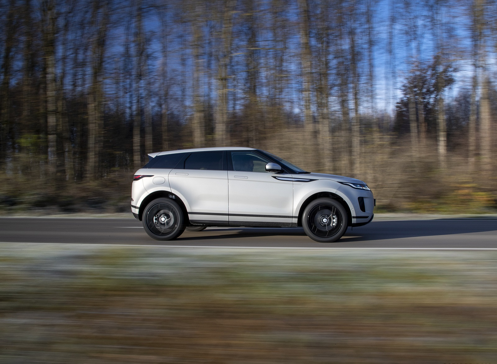 2021 Range Rover Evoque PHEV Side Wallpapers (10)